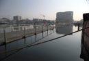 Fermeture de la passerelle Michel Legrand  de Cherbourg-en-Cotentin (Manche)  pour cause de fort coefficient de marée